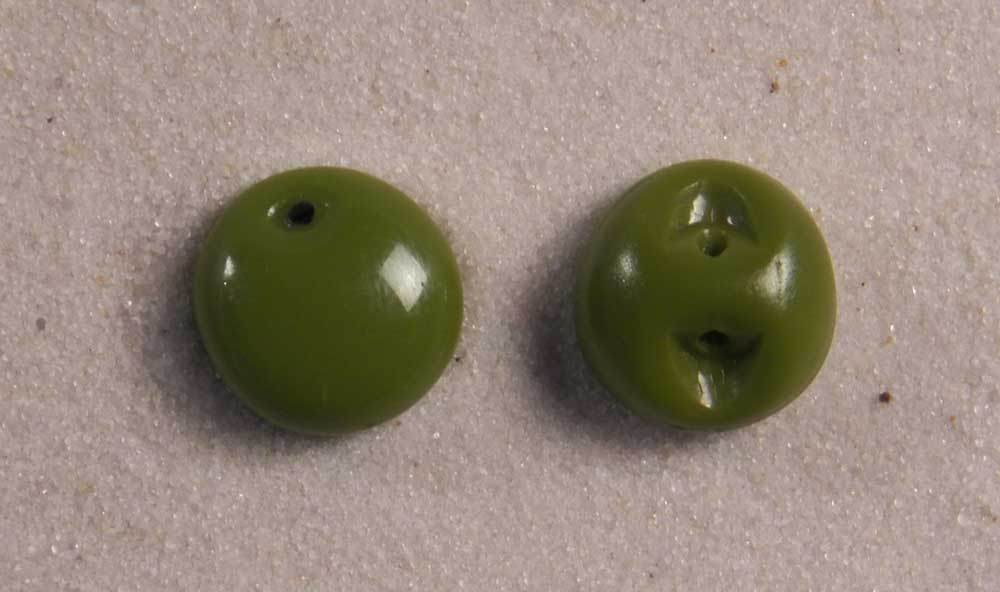 """6 Czech Glass Green Satin Round Buttons Frosted Crodery /& Dot 1//2"""" 13 mm bfegn06"""